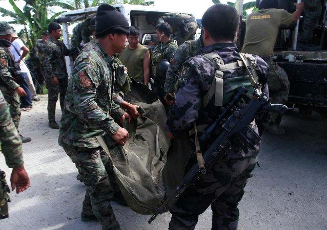 Al menos 43 muertos en enfrentamientos entre policías y rebeldes en Filipinas