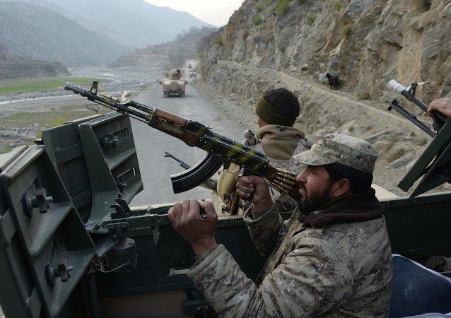 Servicios de seguridad de Afganistán durante una operación especial contra los talibanes (archivo)
