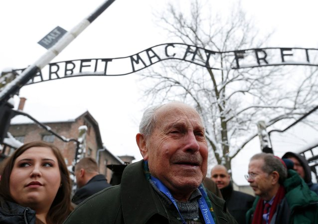 Unos 300 ex prisioneros asistirán a actos por el 70 aniversario de liberación de Auschwitz
