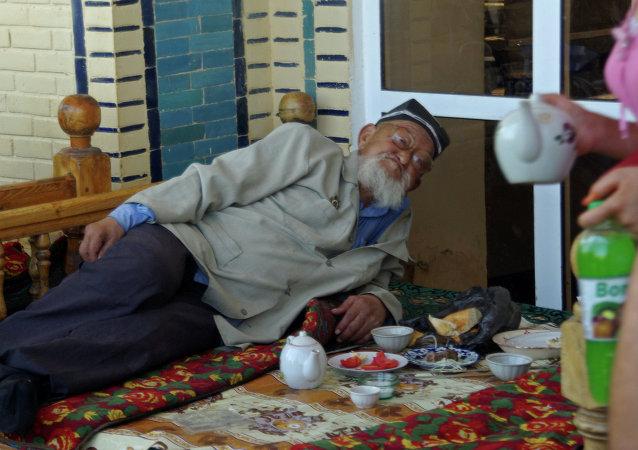 Anciano uzbeko