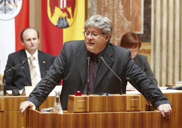 Stefan Schennach (Archivo)