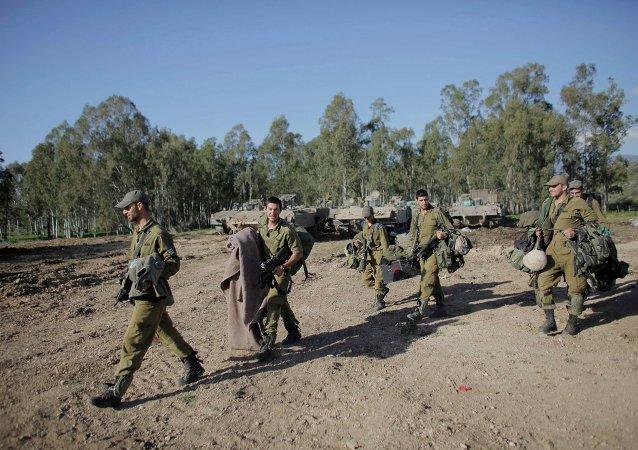 Soldados israelíes cerca de la frontera con el Líbano