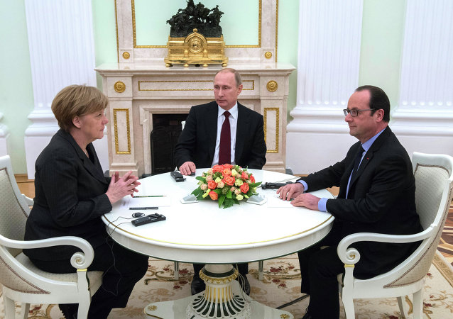 Merkel, Putin y Hollande (archivo)