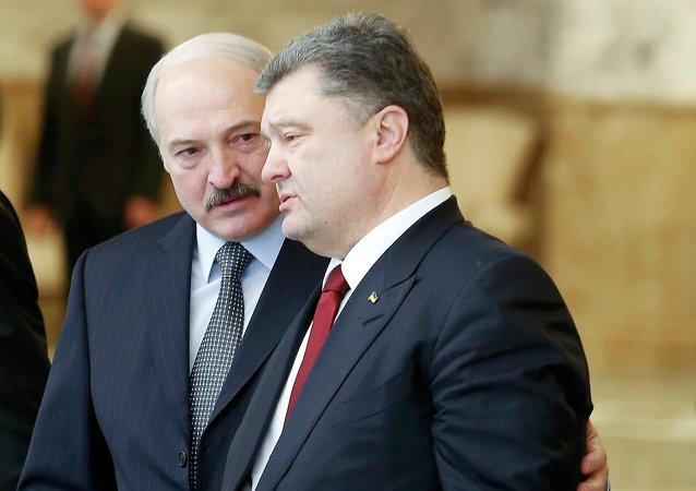 Presidente de Bielorrusia, Alexandr Lukashenko y presidente de Uсrania, Petró Poroshenko
