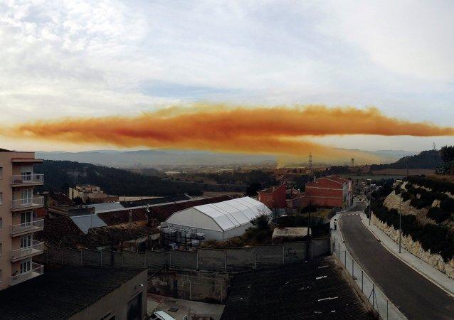 Nube tóxica en Cataluña (archivo)