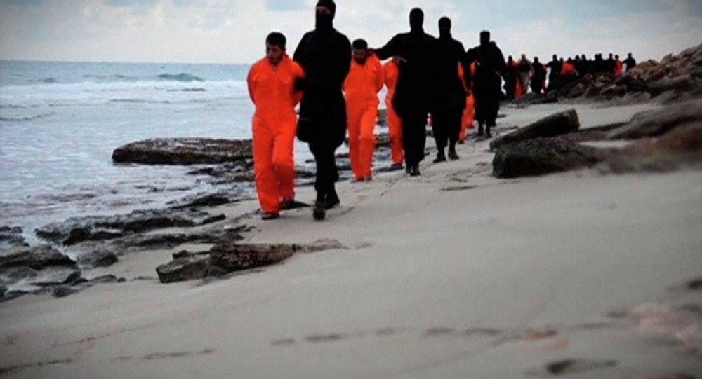Presidente egipcio declara duelo nacional y promete vengar a los 21 cristianos egipcios asesinados