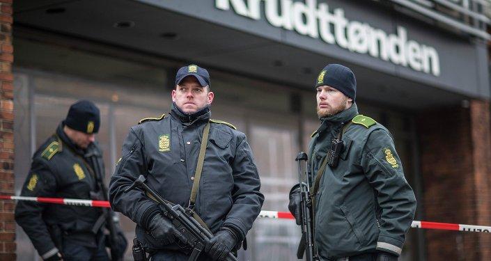 Policìa guarda café 'Krudttonden'