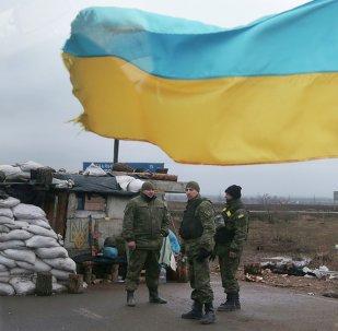 Las fuerzas de Kiev mantienen los controles de entrada y salida de Donbás pese a la tregua