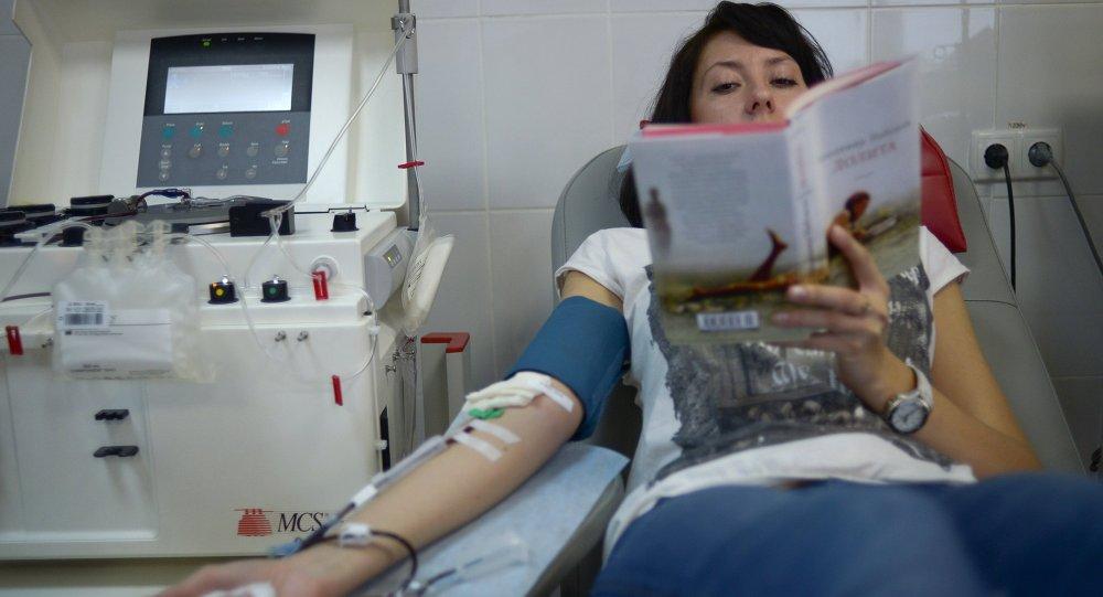Donación de sangre en el Centro de Sangre de la Agencia Médico-Biológica Federal (FMBA) en Moscú