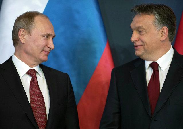 Presidente de Rusia, Vladímir Putin y primer ministro de Hungría, Viktor Orbán