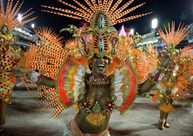 Actuación de la escuela de samba de Beija-Flor (archivo)