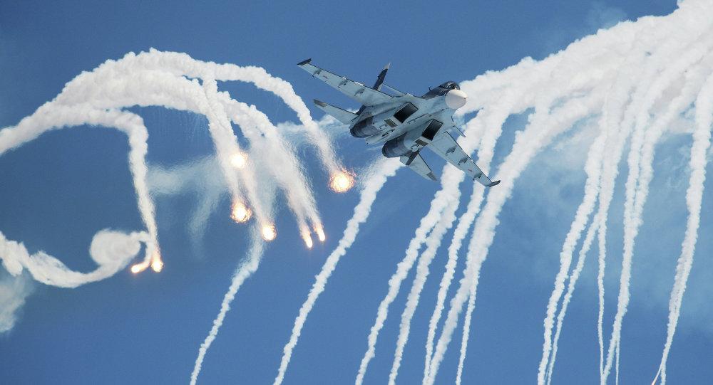 Caza Su-30 del grupo de acrobacia aérea Sókoli Rossii (archivo)