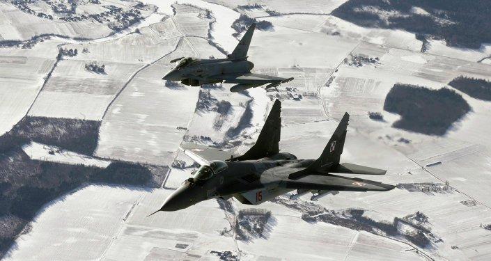 Cazas de la OTAN durante la patrulla en los países bálticos (archivo)