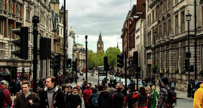 La gente en las calles de Londres