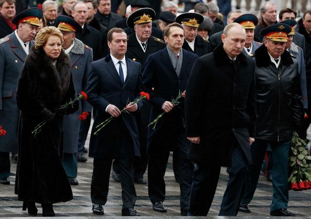 Putin participa en la deposición de flores ante la Tumba del Soldado Desconocido