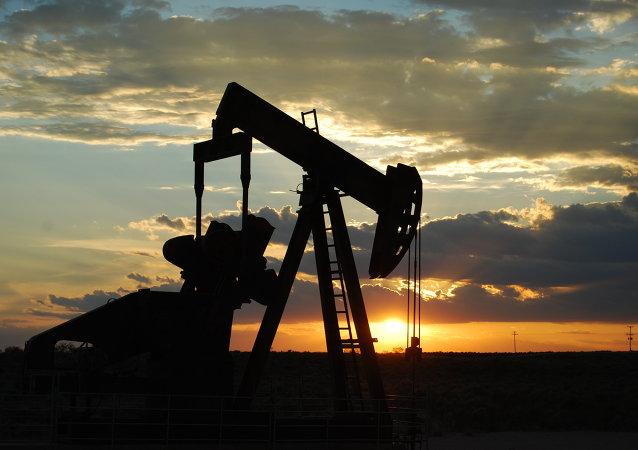 Mercado petrolero recobrará estabilidad, dice ministro de energía saudí