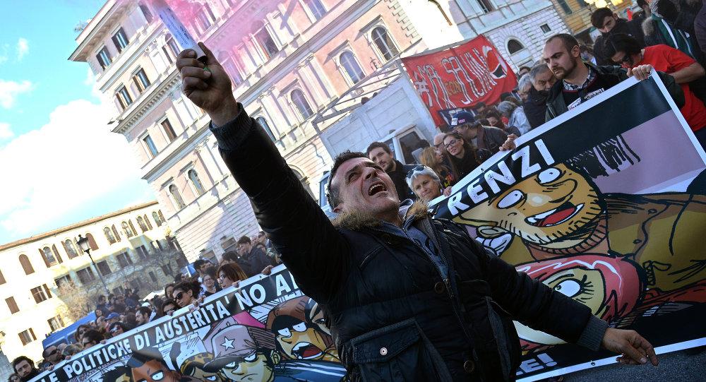 En Roma se celebra un mitin multitudinario contra la política del primer ministro Renzi