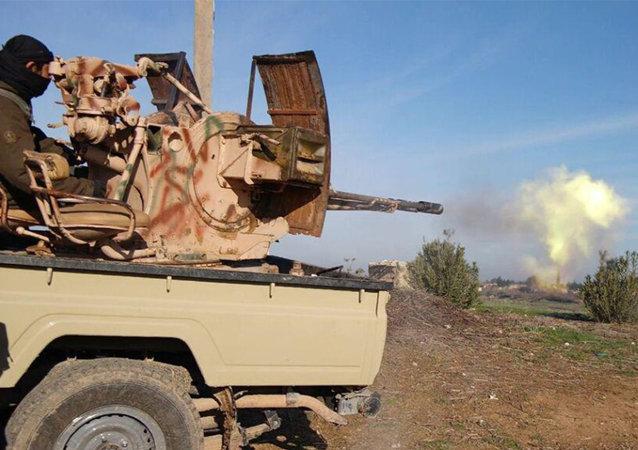 Combatiente de la división de Al-Baraka del grupo Estado Islámico