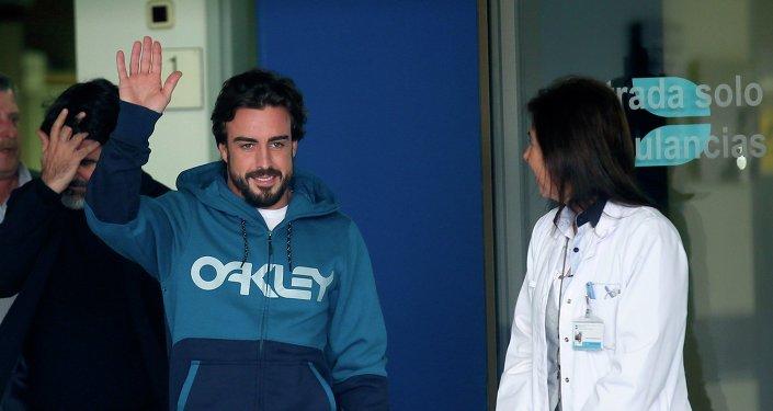 El piloto Fernando Alonso se despertó de su accidente hablando italiano