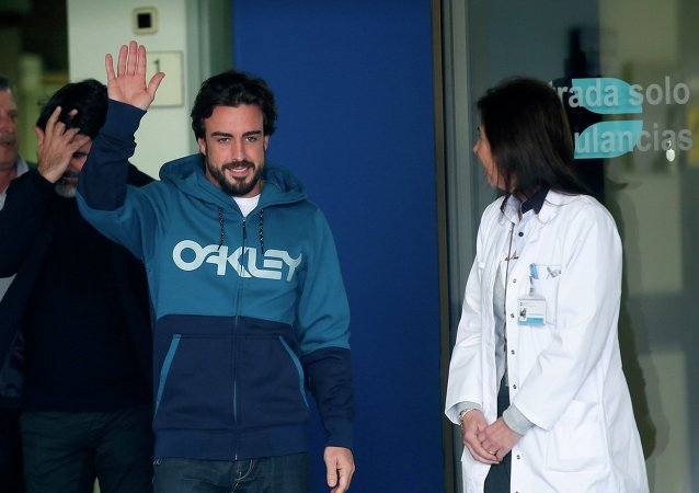El piloto Fernando Alonso se despertó de su accidente hablando italiano