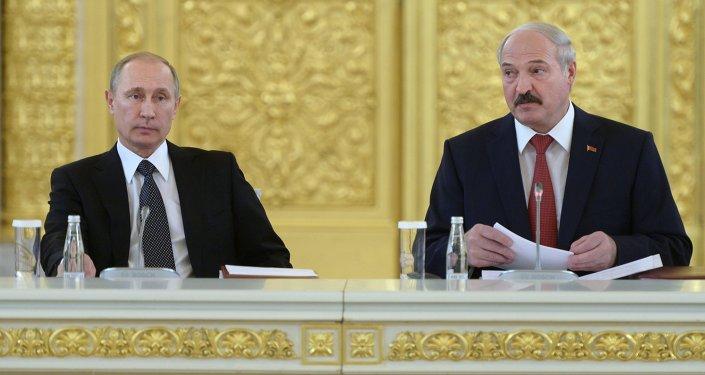 Presidente de Rusia, Vladímir Putin y su homólogo de Bielorrusia, Alexandr Lukashenko
