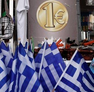 España no contempla la salida de Grecia del euro