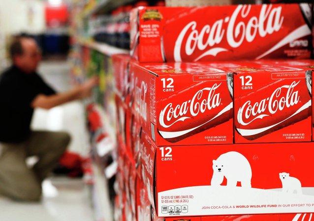 Productos de Coca-Cola en el supermercado