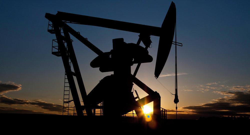 Lukoil vende a Rosneft su parte del grupo petrolero que explota yacimiento en Venezuela
