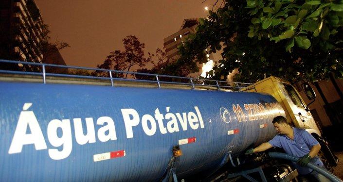 La empresa que gestiona el agua en Sao Paulo despide a 300 trabajadores en plena sequía