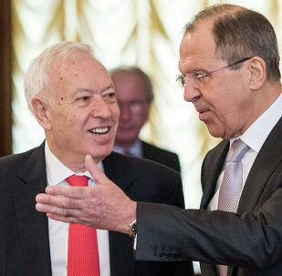 Ministro de Exteriores de Rusia, Serguéi Lavrov (dcha.) con su homólogo español, José Manuel García-Margallo