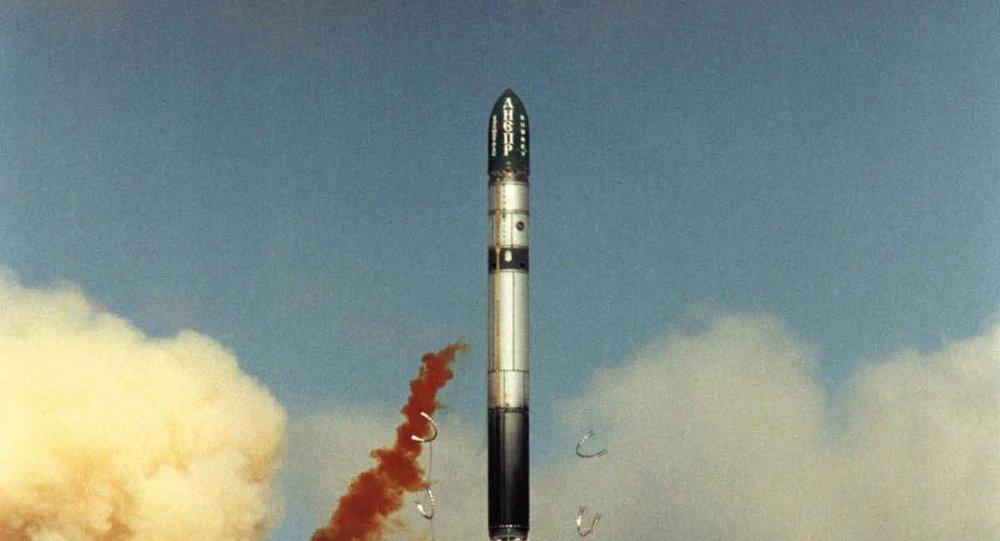 Lanzamiento del cohete Dniepr (archivo)