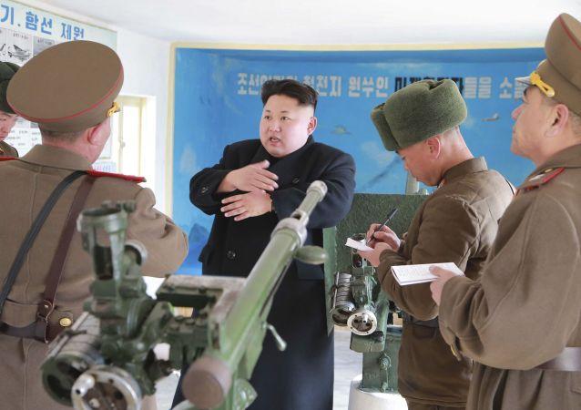 Kim Jong-un visita una unidad militar en la isla de Sindo en el Mar Amarillo