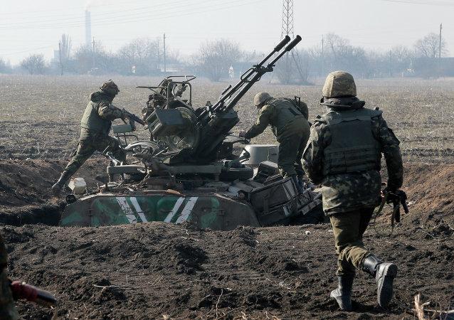 Los soldados ucranianos en la región de Donbás (archivo)