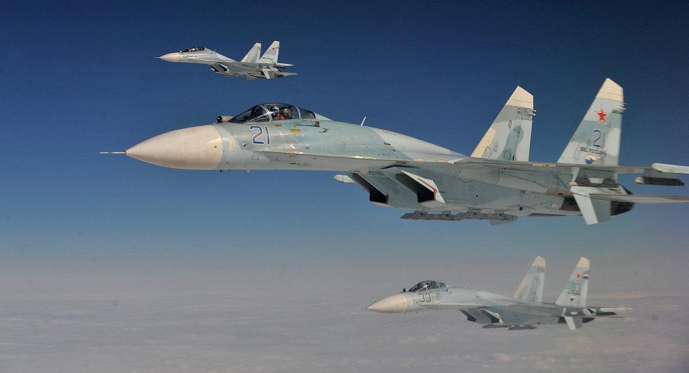 Cazas Su-27 (Archivo)