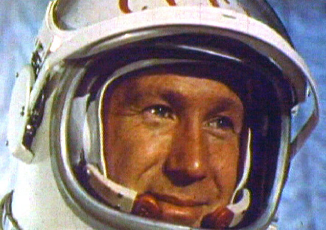 Caminata espacial de Alexéi Leónov en 1965