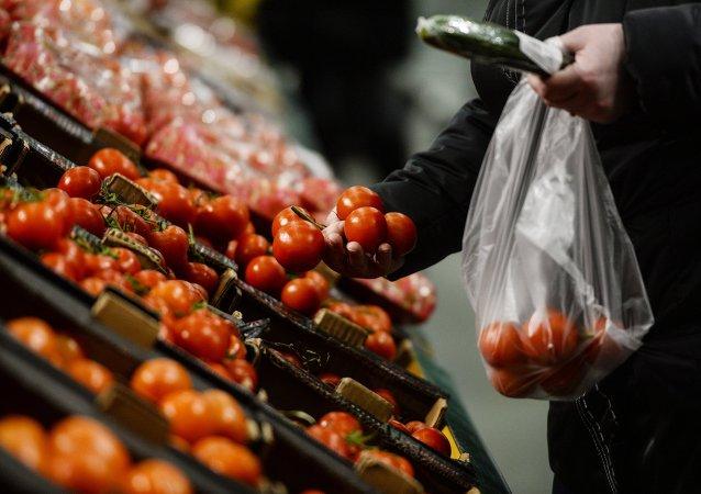 Las autoridades rusas barajan levantar parcialmente el embargo agroalimentario a la UE