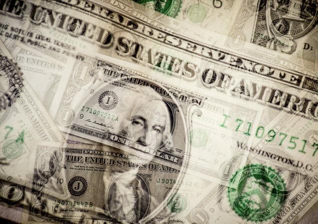 Multimillonario estadounidense desaconseja invertir en el dólar