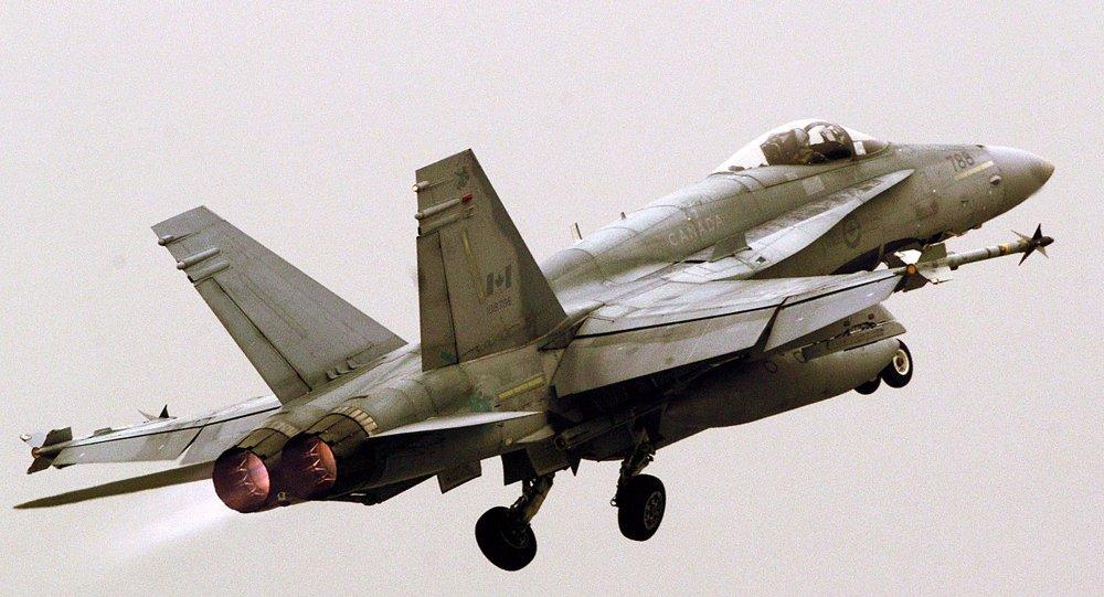 Канадский палубный истребитель-бомбардировщик и штурмовик F-18 Hornet