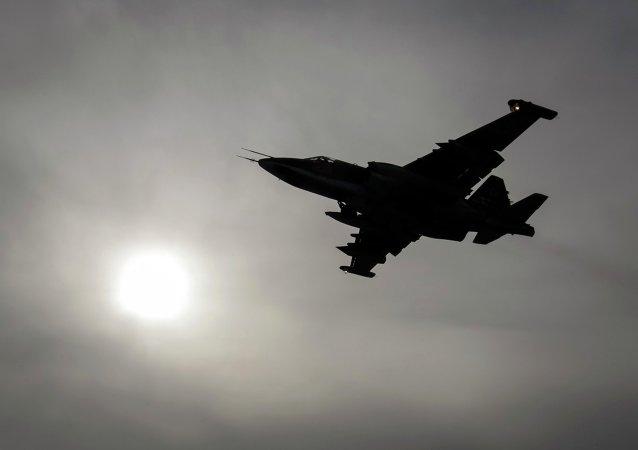 Avión de ataque a tierra Su-25 (imagen referencial)