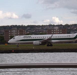 Avión de la compañía aérea italiana Alitalia