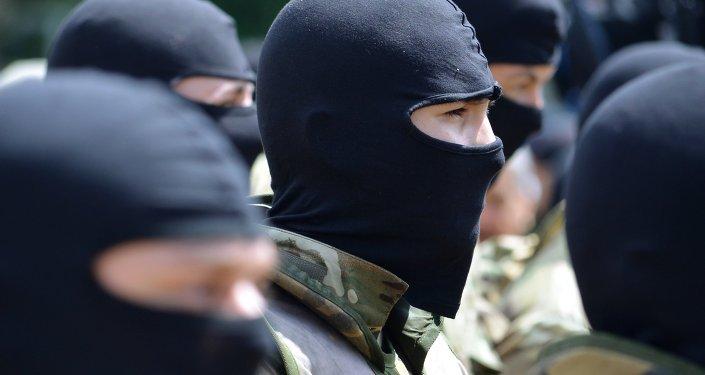 Bielorrusia no deja entrar en su territorio a ucranianos con armas