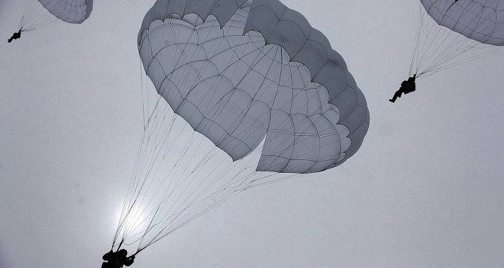 Paracaidistas de las FFAA de Rusia (Archivo)