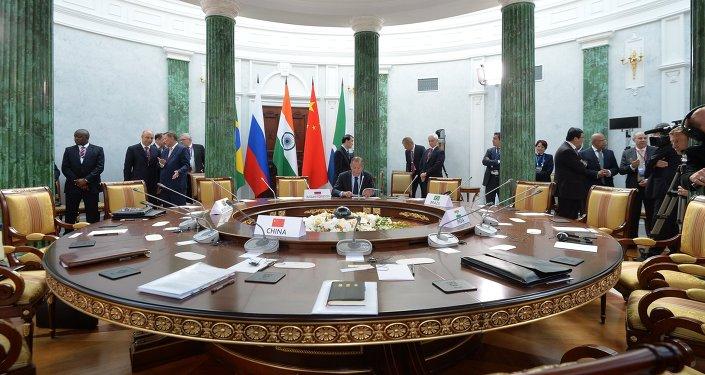 Los BRICS estudiarán un antídoto contra las sanciones unilaterales