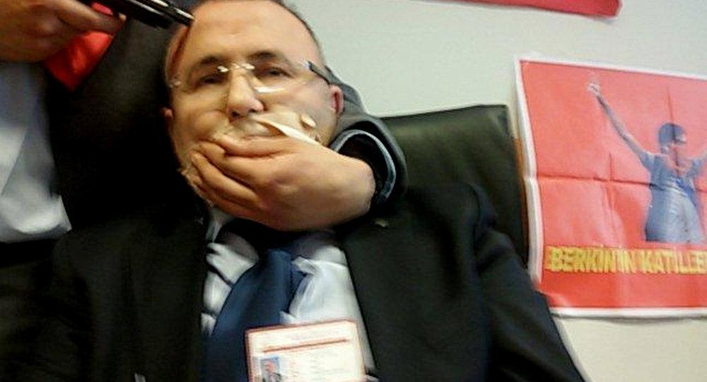 Fiscal Mehmet Selim Kiraz tomado como rehén en el palacio de justicia de Estambul