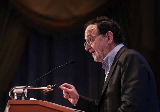 Panagiotis Lafazanis, el ministro de energía y medio ambiente de Grecia