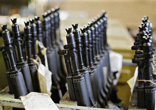 El consorcio Kalashnikov prevé duplicar su producción de armas en un año