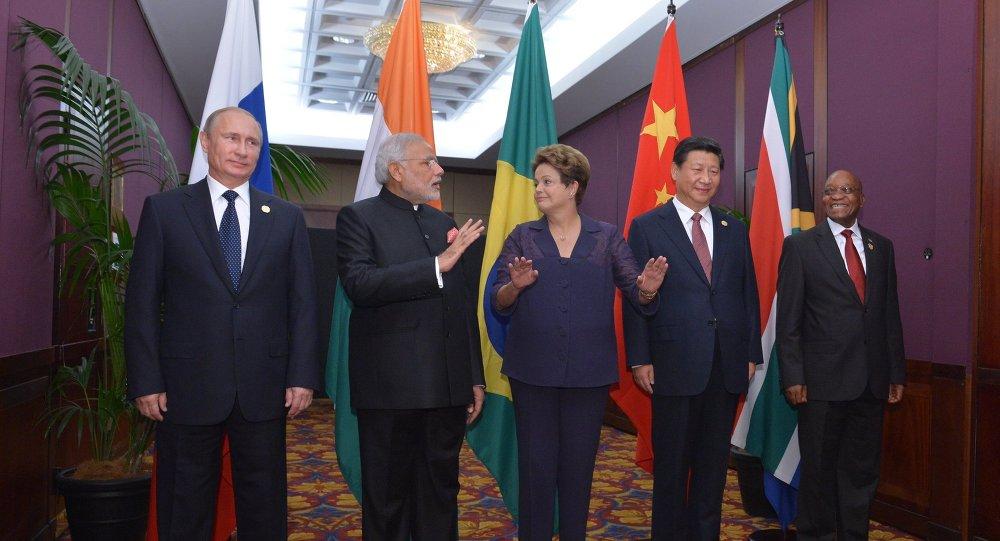Líderes de los BRICS, Vladímir Putin, Narendra Modi, Dilma Rousseff, Xi Jinping y Jacob Zuma (archivo)