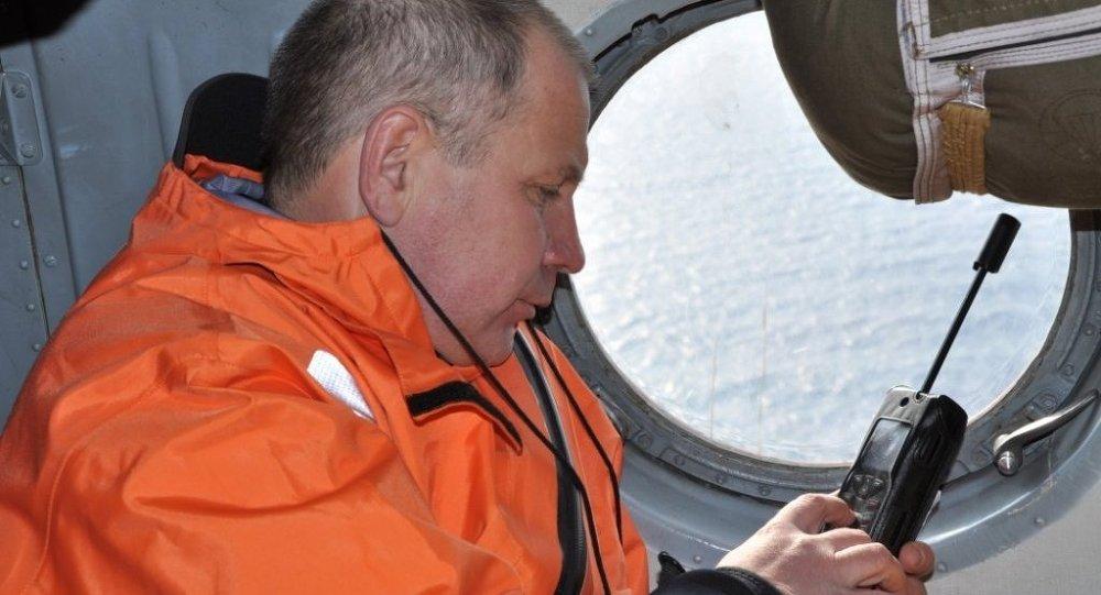 Operación de rescate en el lugar del accidente del barco pesquero Dalni Vostok