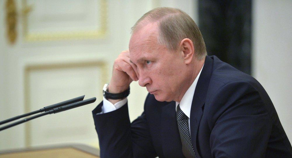 El presidente de Rusia, Vladímir Putin, en la reunión сon los miembros del Gobierno ruso sobre la situación económica en Rusia