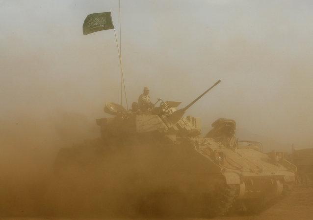 Soldados saudíes cerca de la frontera con Yemen